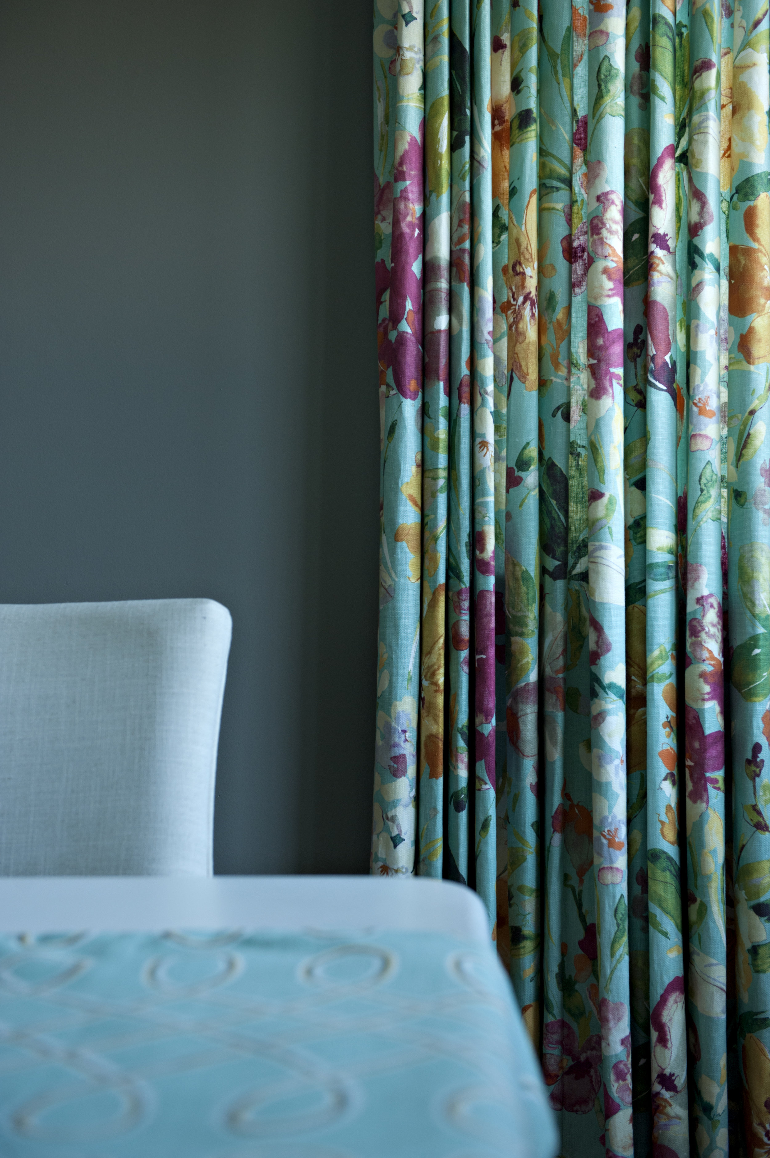 Candace-Plotz-Irving-Dining-Curtain