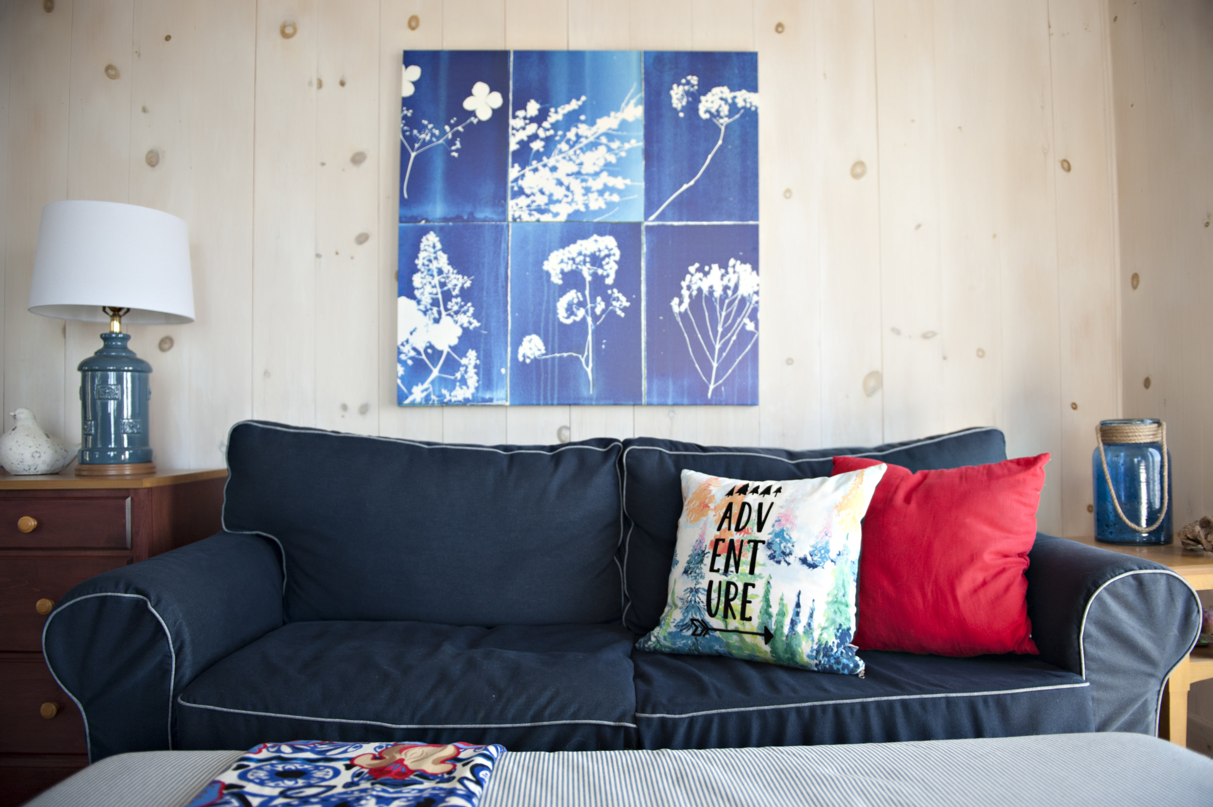 Candace-Plotz-Design-Beach-House-2-Navy-Accents-Wood-Walls