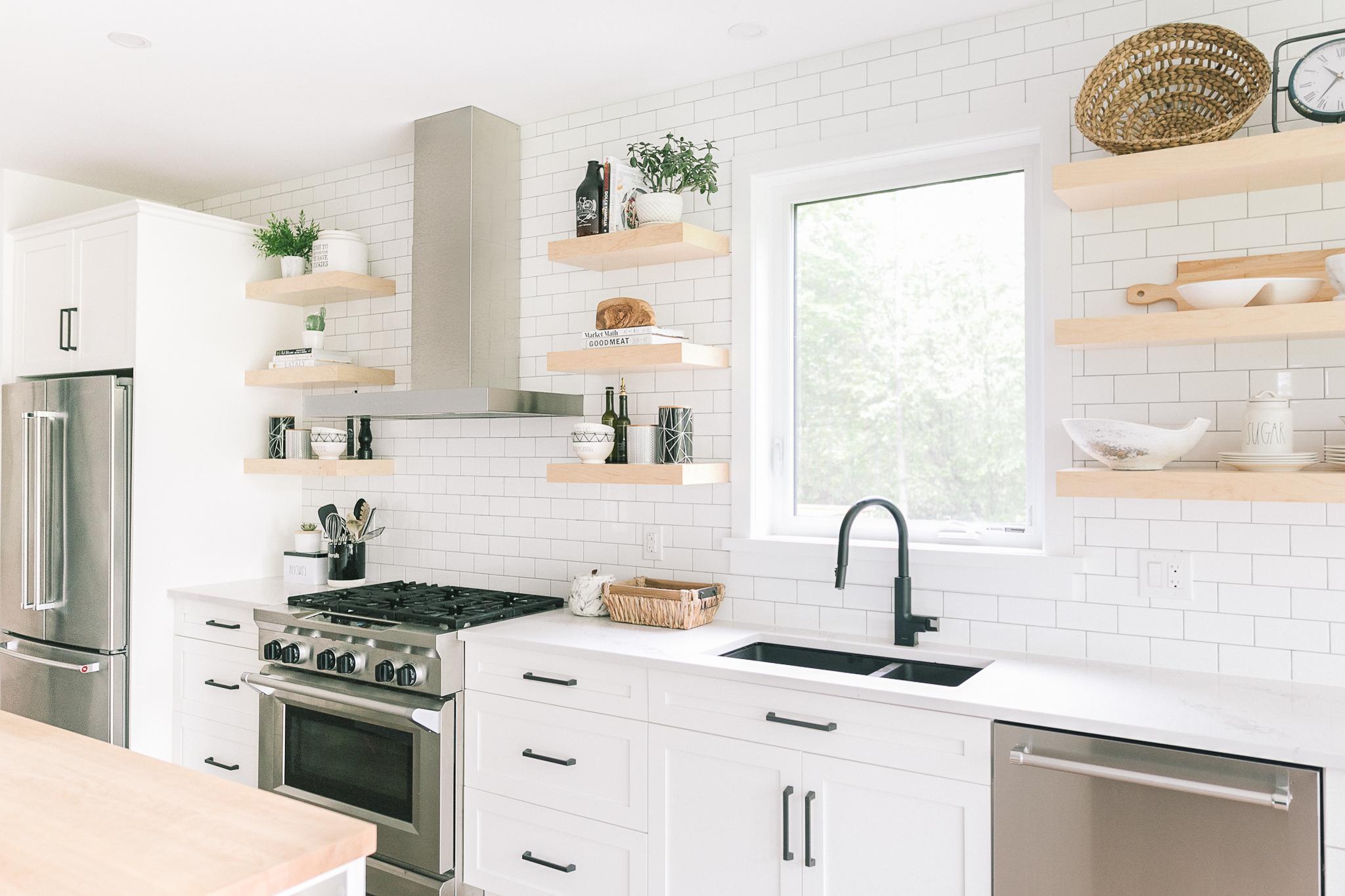 Interior-Design-Kitchen-Sink-Black-Hardware