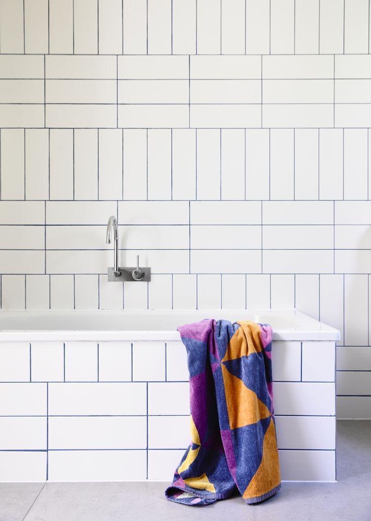 vertical-bathroom-subway-tile-bath