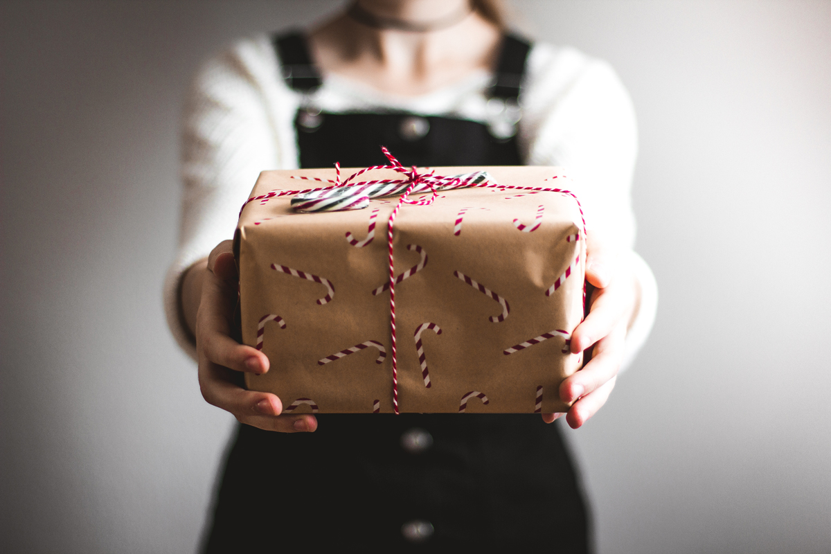 holiday-gift-ideas-fiance.jpg