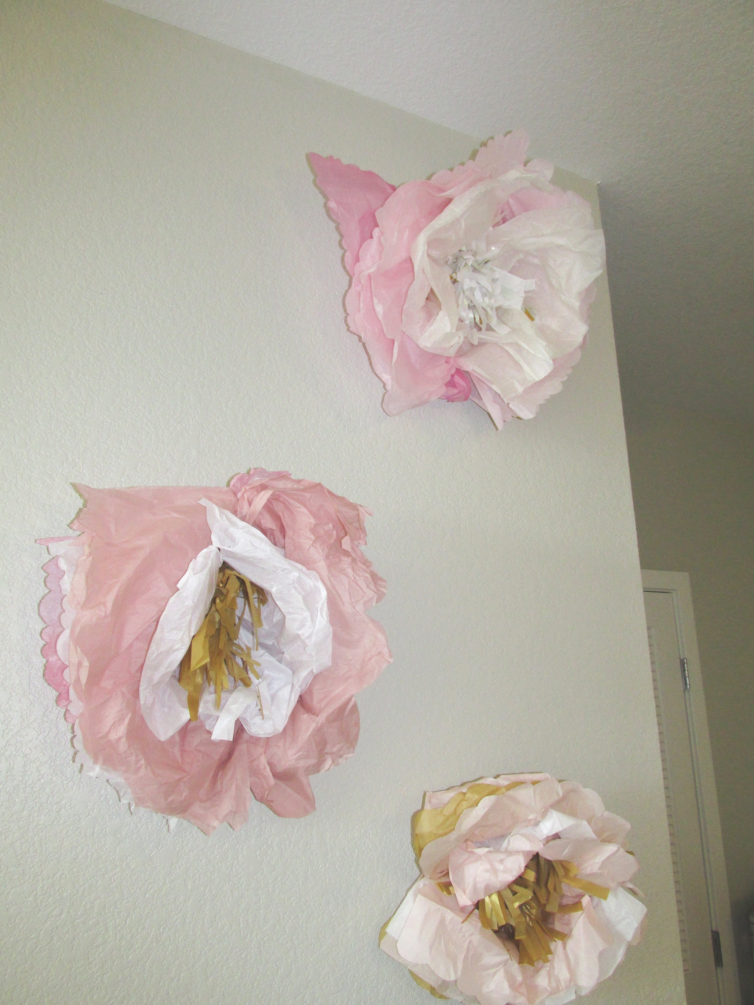 DIY+paper+flowers+Bachelorette