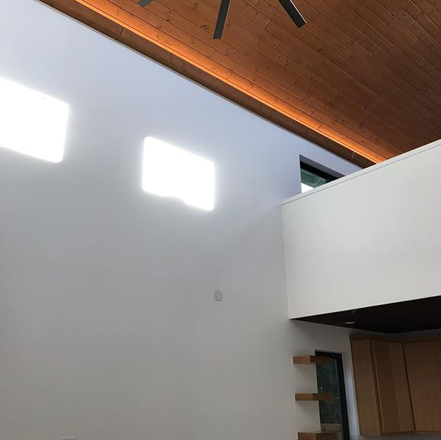 My last stop today and delighted to see that electricians completed  some more LED's.  Love the natural lighting in the afternoon too. #escarpmentconstruction #austinadu #adu #ledlights #indirectlighting