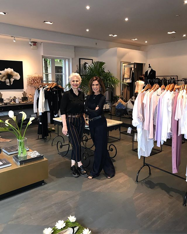 Visiting the lovely Christina at her new location @clementinesluxury a touch of Parisienne feel and style 🗼 #Toronto  #style  #shopping