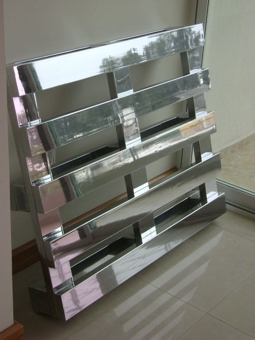 Chrome Pallet 2000 Life size chromium plated