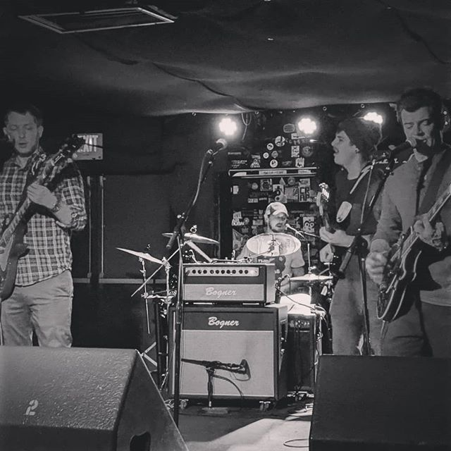 Shoutout to all the folks that made it out to the @larimerlounge this past Tuesday! Great turnout and a ton of fun. Thanks to @bailouttheband for another excellent show. . . . . #denvermusic #303music #newmusic #denver #denverbands #indie #indierock #localmusic #livemusic #localbands #thanks #somanyhashtags