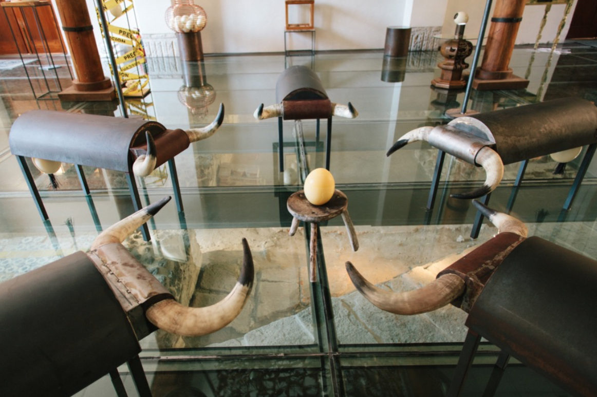 Hanging Out (VolGab Tables and Benches), 2015  Mixed technique: metal structure, horns and egg shells.