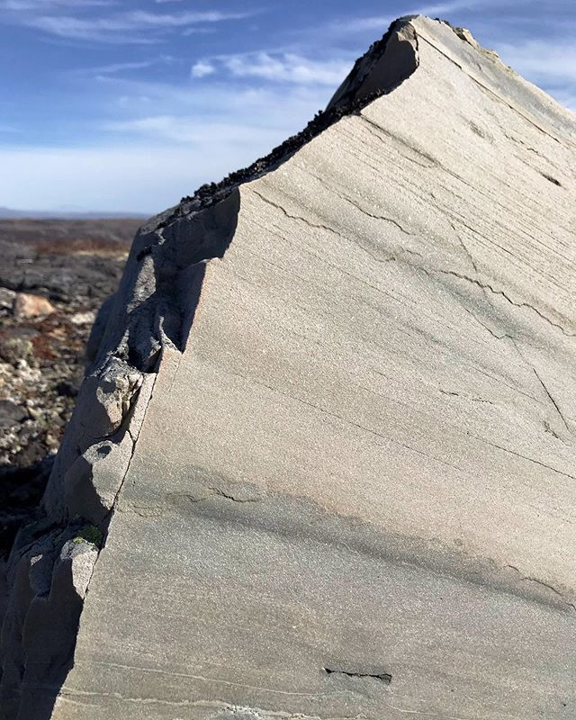 The earth under our feet holds the history of place so resolutely that seemingly simple rocks can contain profound lessons of what once belonged. Yesterday's participants in a Geology at the Edge hike were the season's first to take in a geologist-led hike full of such insights as they traversed Oliver's Cove Trail.⠀ ⠀ #fogoisland #geology #explorenl #geologyattheedge