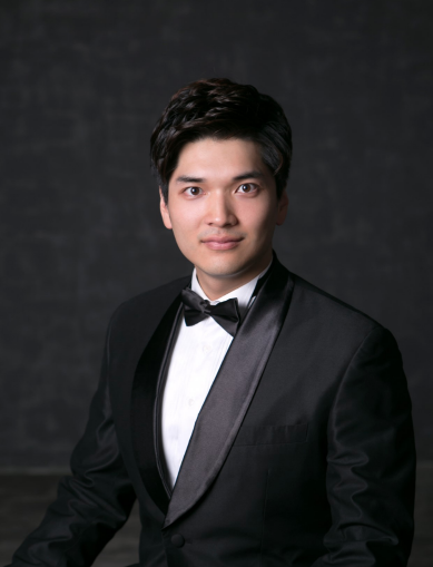 JIMIN PARK, Baritone  (Eisenstein)  Jimin Park is from Seoul, Korea. He earned his BM from Yonsei University and is pursuing his Masters at Manhattan School of Music in Vocal Performance. He is under the tutelage of Joan Patenaude-Yarnell. He has performed Le Nozze di Figaro (Figaro) at Yonsei University, Gianni Schicchi (Marco) in a part of Manhattan School of Music's Opera Theater and Les pêcheurs de perles (Zurga) of Manhattan School of Music's Opera repertoire ensemble. He has going to perform Emmeline (Mr. Maguire) of Manhattan School of Music's Opera Theater.