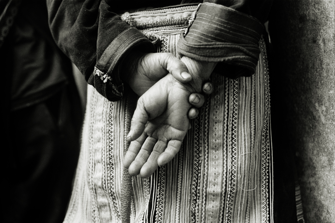 LR_2006_HANDS_VIETNAM_©_ANDREW_WARD_PHOTOGRAPHY_LOW_RES_.jpg