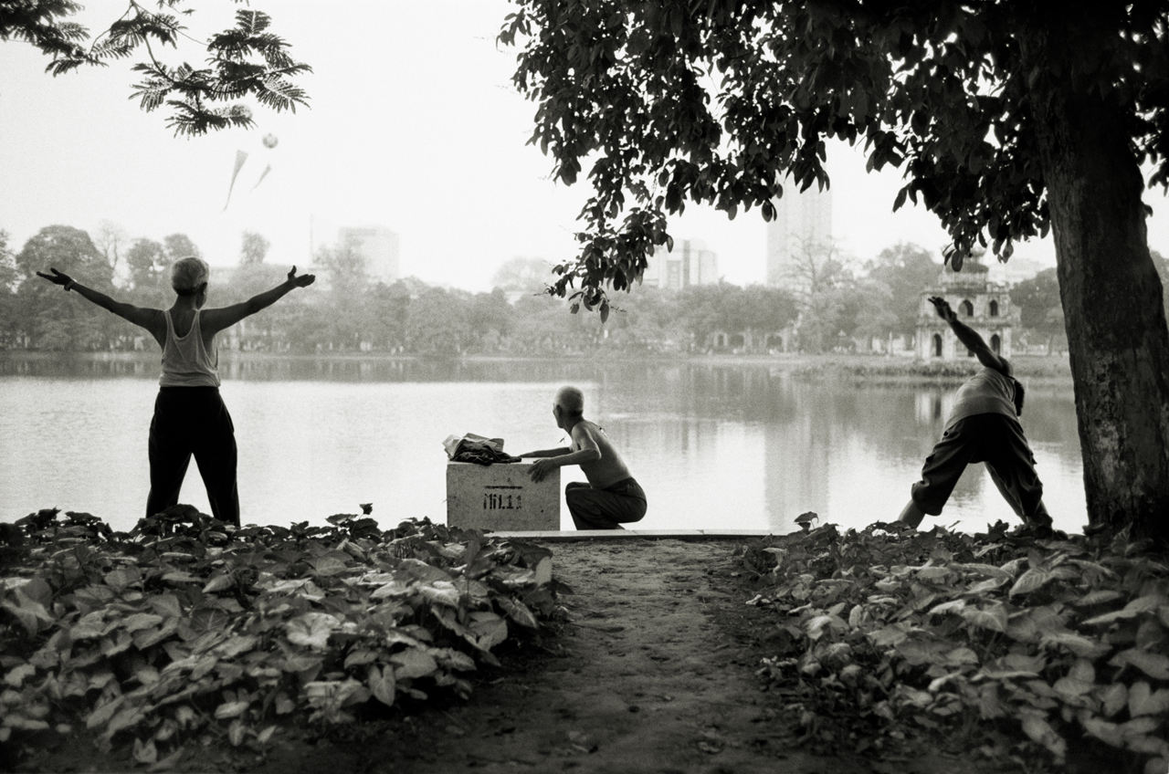 LR_2006_MORNING_EXERCISE_HANOI_VIETNAM_©_ANDREW_WARD_PHOTOGRAPHY_LOW_RES.jpg