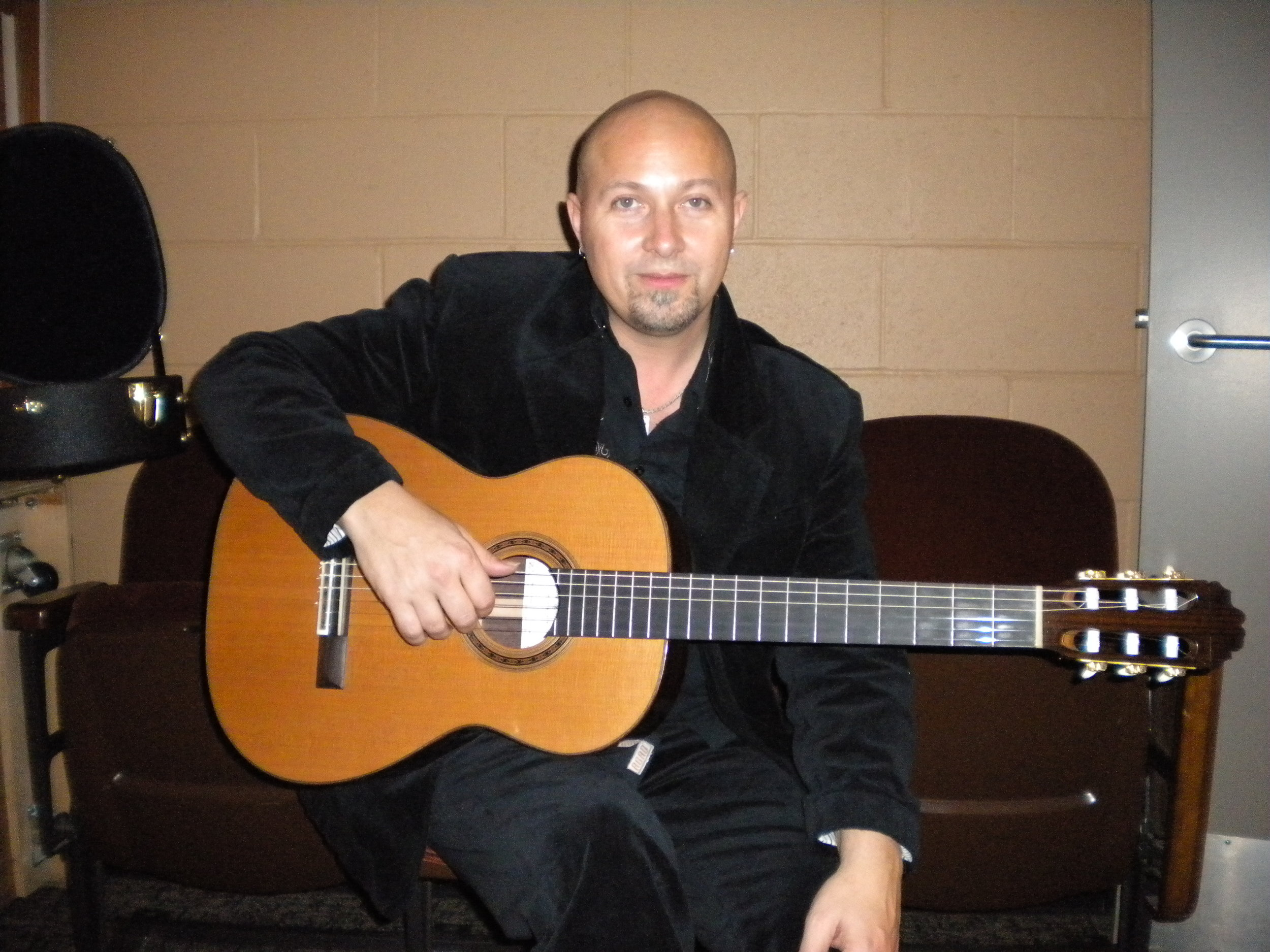 Andre Feriante  with Traditional Flamenco guitar, Seattle, WA, 2010