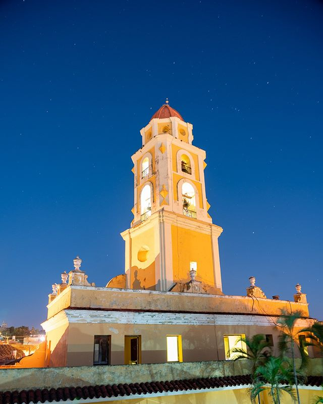 Torre de San Francisco, Trinidad. Once the sun sets, the magic begins... . www.cubaphototravel.com Engage l Explore l Capture Follow: @cubaphototravel / Tag: #cubaphototravel . . . . . . . #Cuba #loves_cuba #trinidad #photographyislife #getlost #keepexploring #theglobewanderer #exploretheworld #neverstopexploring #travelstagram #letsgosomewhere #roamtheplanet #welltravelled #justbackfrom #chasinglight #openmyworld #bestvacations #travelstoke #travelphotographer #traveldeeper #welltravelled #stayandwander