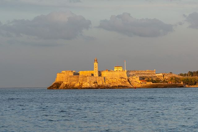 Nothing replaces good light. A view of El Morro during sunset. . www.cubaphototravel.com Engage l Explore l Capture Follow: @cubaphototravel / Tag: #cubaphototravel . . . . #Cuba #loves_cuba #havana #photographyislife #keepexploring #theglobewanderer #exploretheworld #neverstopexploring #roamtheplanet #chasinglight #openmyworld #travelphotographer #traveldeeper #stayandwander #landscapelovers #landscapecaptures #nakedplanet #igtravel #landscape_lovers #cityview #guardiancities #way2ill_