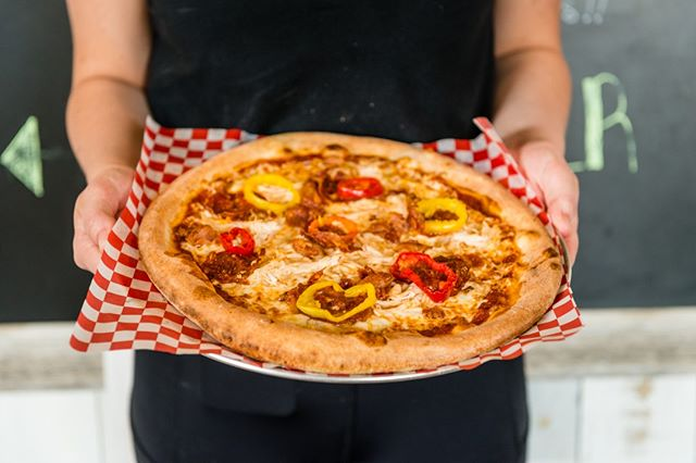 🍕 Things are heating up at Piatto Pronto! It's HOT — 900 degrees hot, and that means we're cooking up stone-fired pizzas FAST for you. 🔥Our pizza is inspired by Naples, but created by YOU, and made to order... pronto.  #youwantityougotit #pizzaplease #pizzayourway