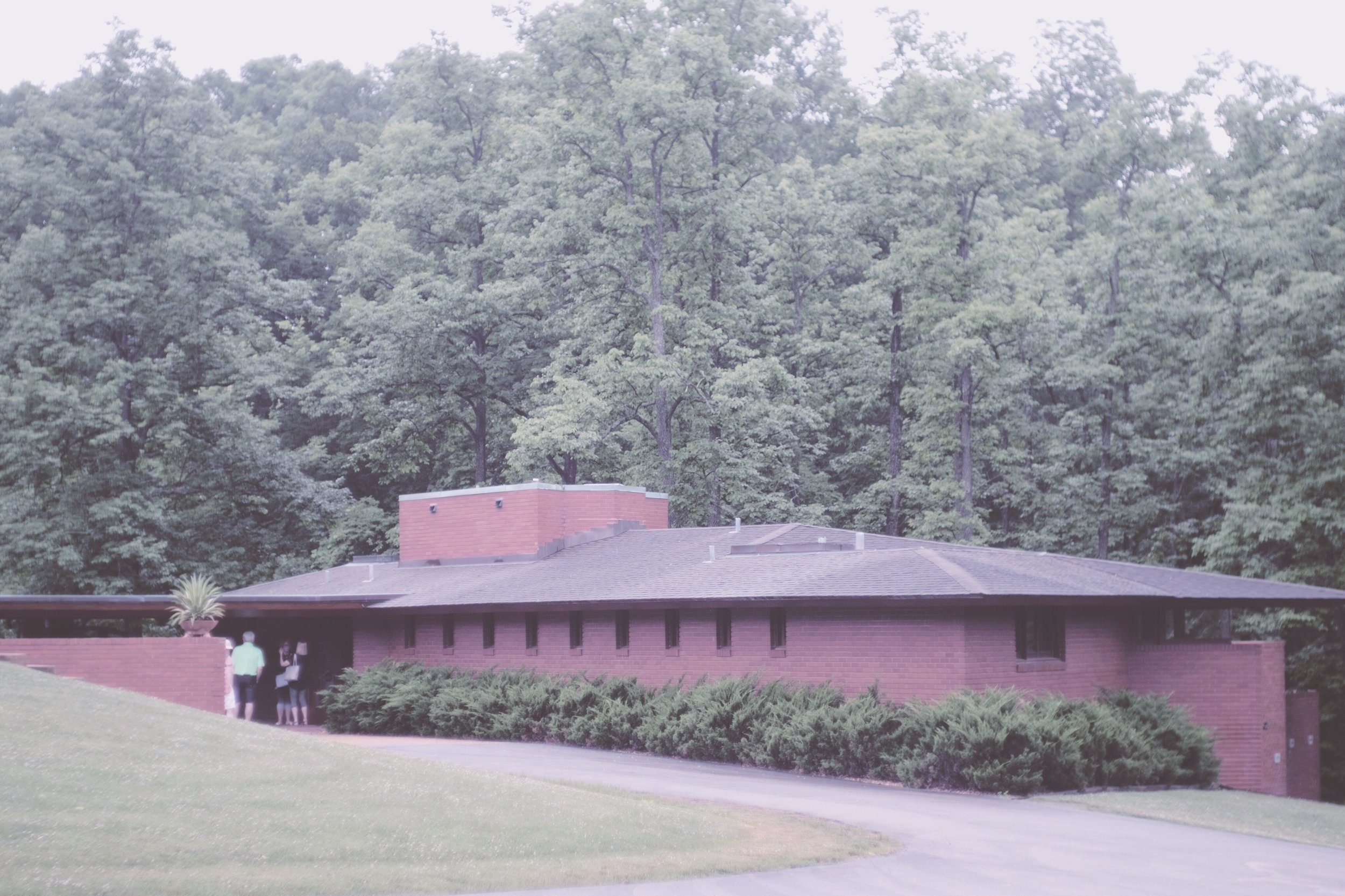 frank lloyd wright / russell kraus home in ebsworth park, mo