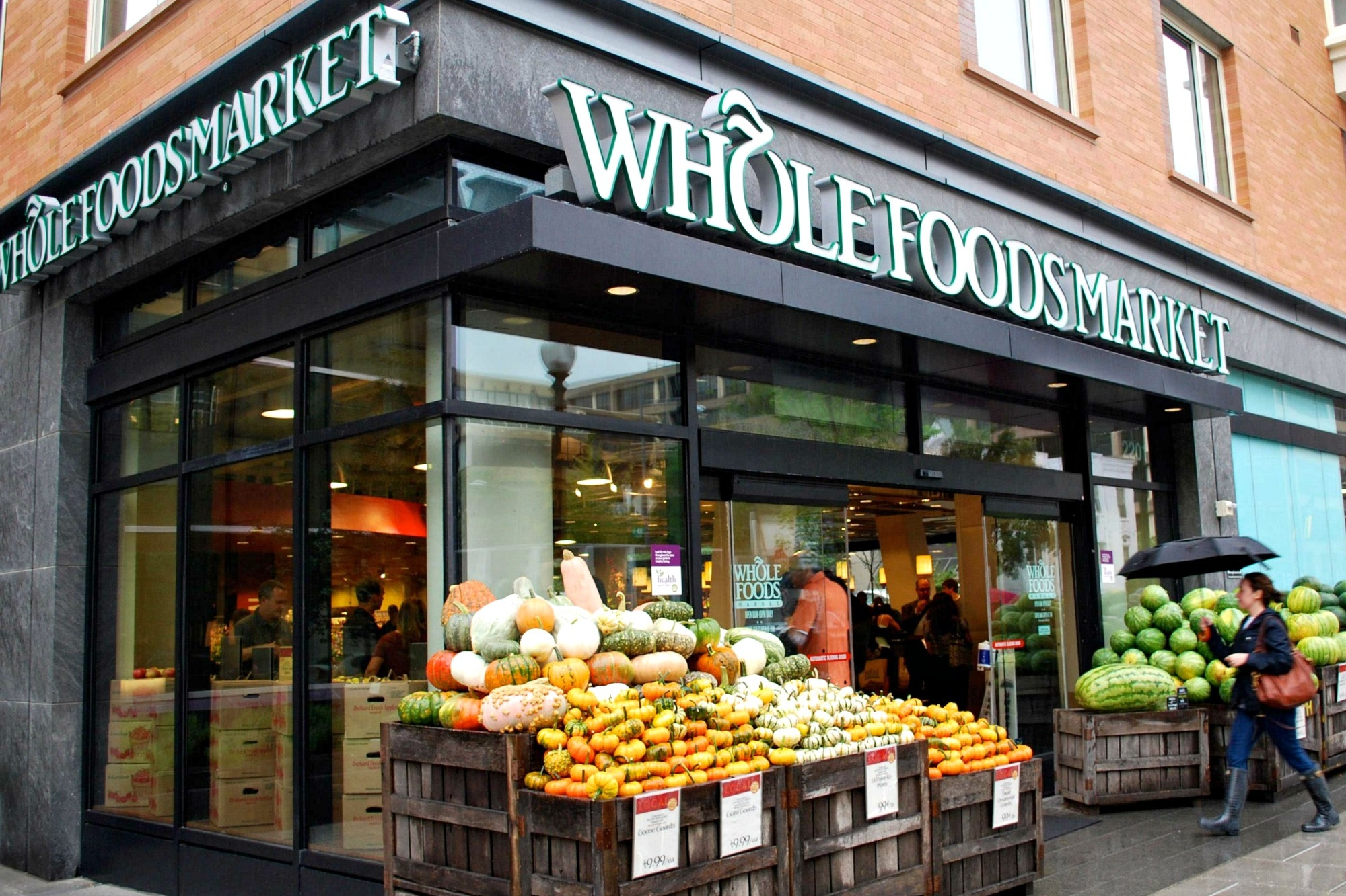 WHOLE FOODS - Communications Plan