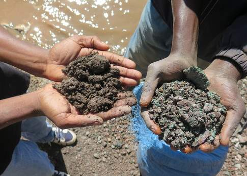 Cobalt (left) and Copper (right) dug from mines in DRC  PC: Amnesty Internatinoal