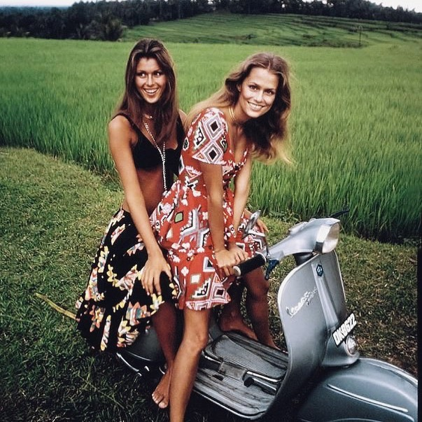 Funny how Some things never change. 🌺  This could have been taken yesterday , but it's Laura Hutton & Pilar Crespi in Bali for Vogue in 1970  #samesamebutdifferent