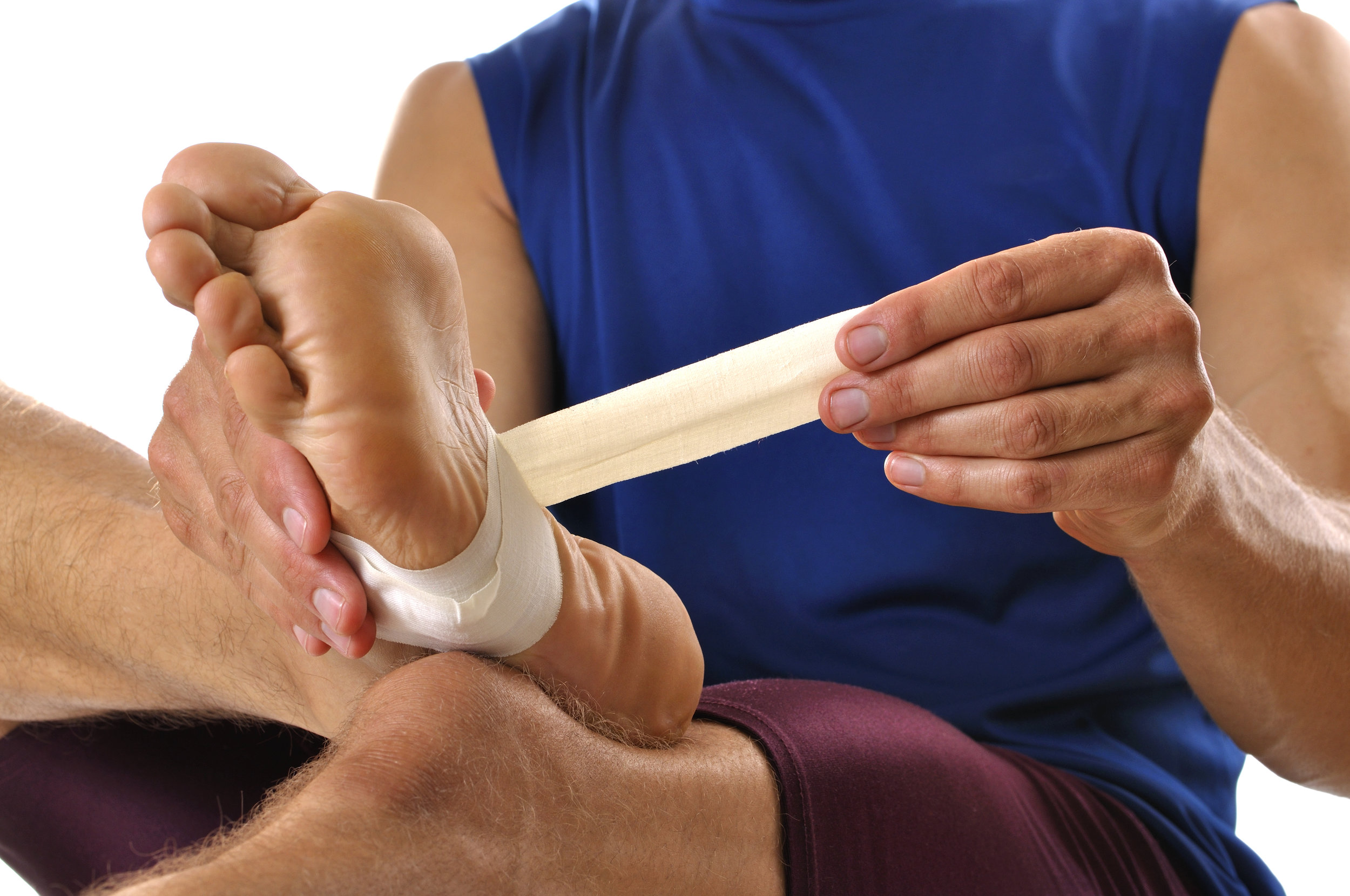 Taping Techniques for Sports Performance and Injury Management  *A Chance to Earn Your Black Belt in Taping - Includes step by step instructions and guided video for over 30 taping techniques