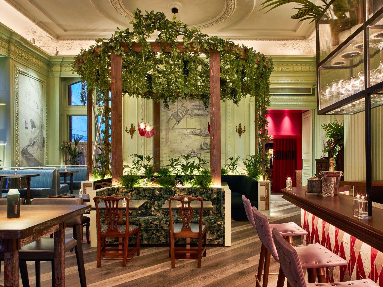Andaz-London-Liverpool-Street-P897-Dining-Rakes-The-Front-Room.adapt.4x3.1280.960.jpg