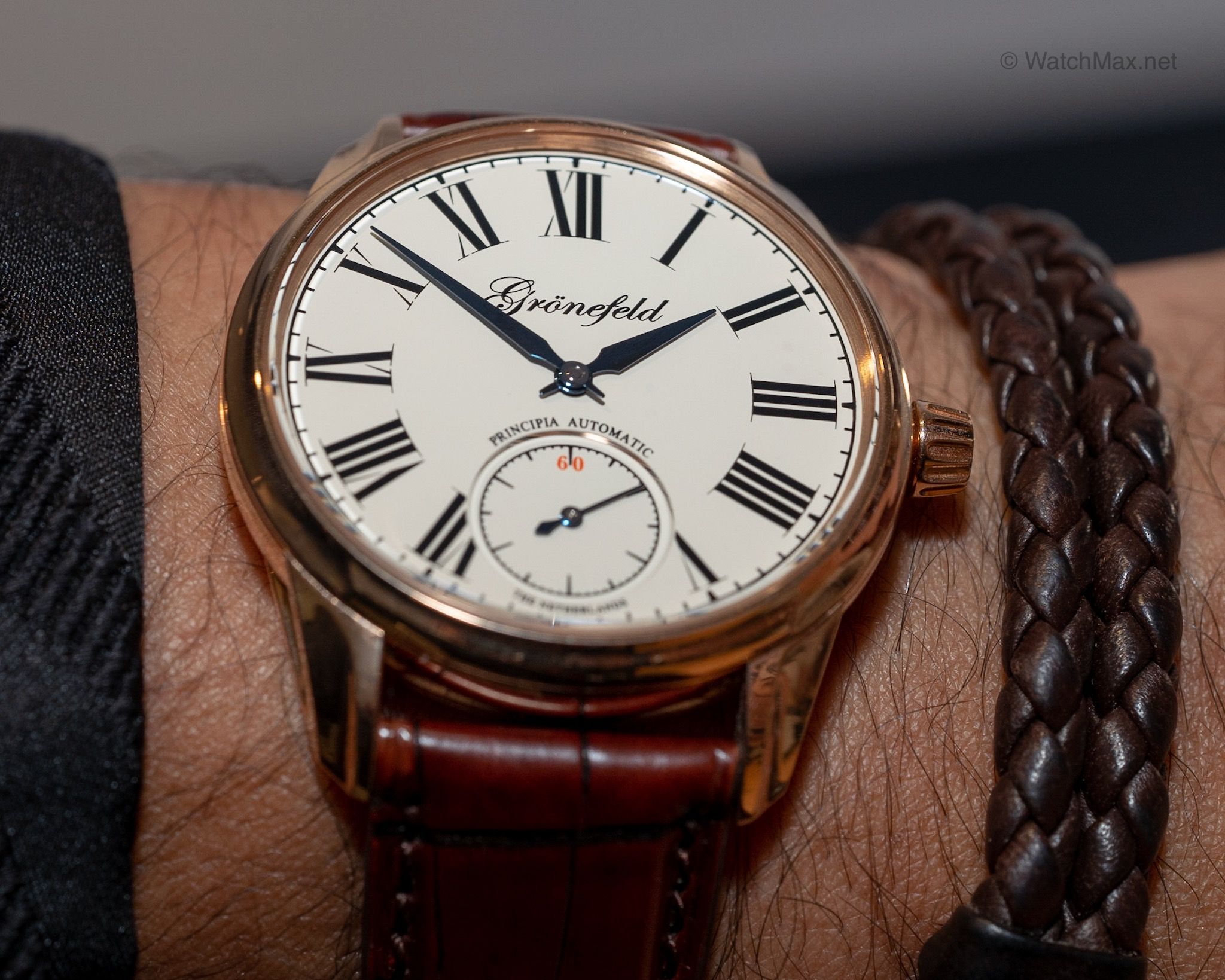 Grönefeld Principia automatic first look @ SIHH 2019 - A highlight at each watch fair is to meet with the horological brothers. This time Bart and Tim Grönefeld show me their first automatic watch. Read more