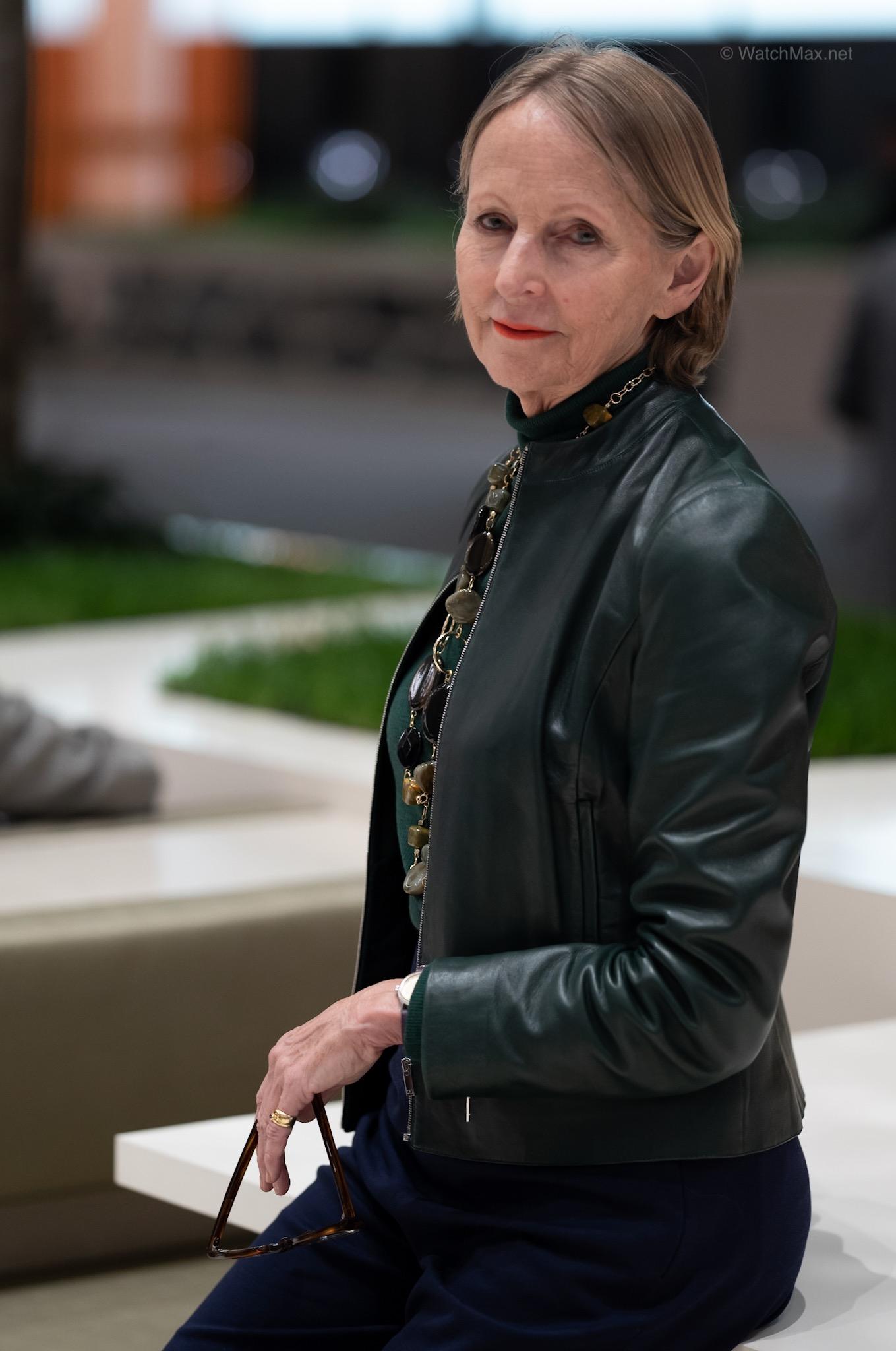 Mrs Sandra Lane, Specialist Editor & Writer