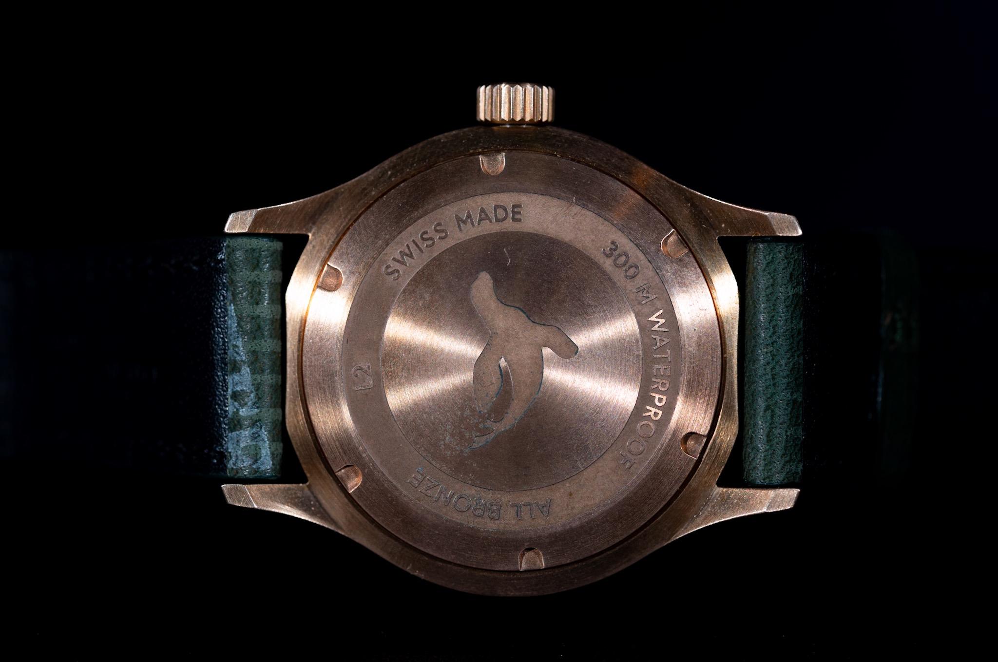 maurice-de-mauriac-l2-bronze-deep-red-4.JPG