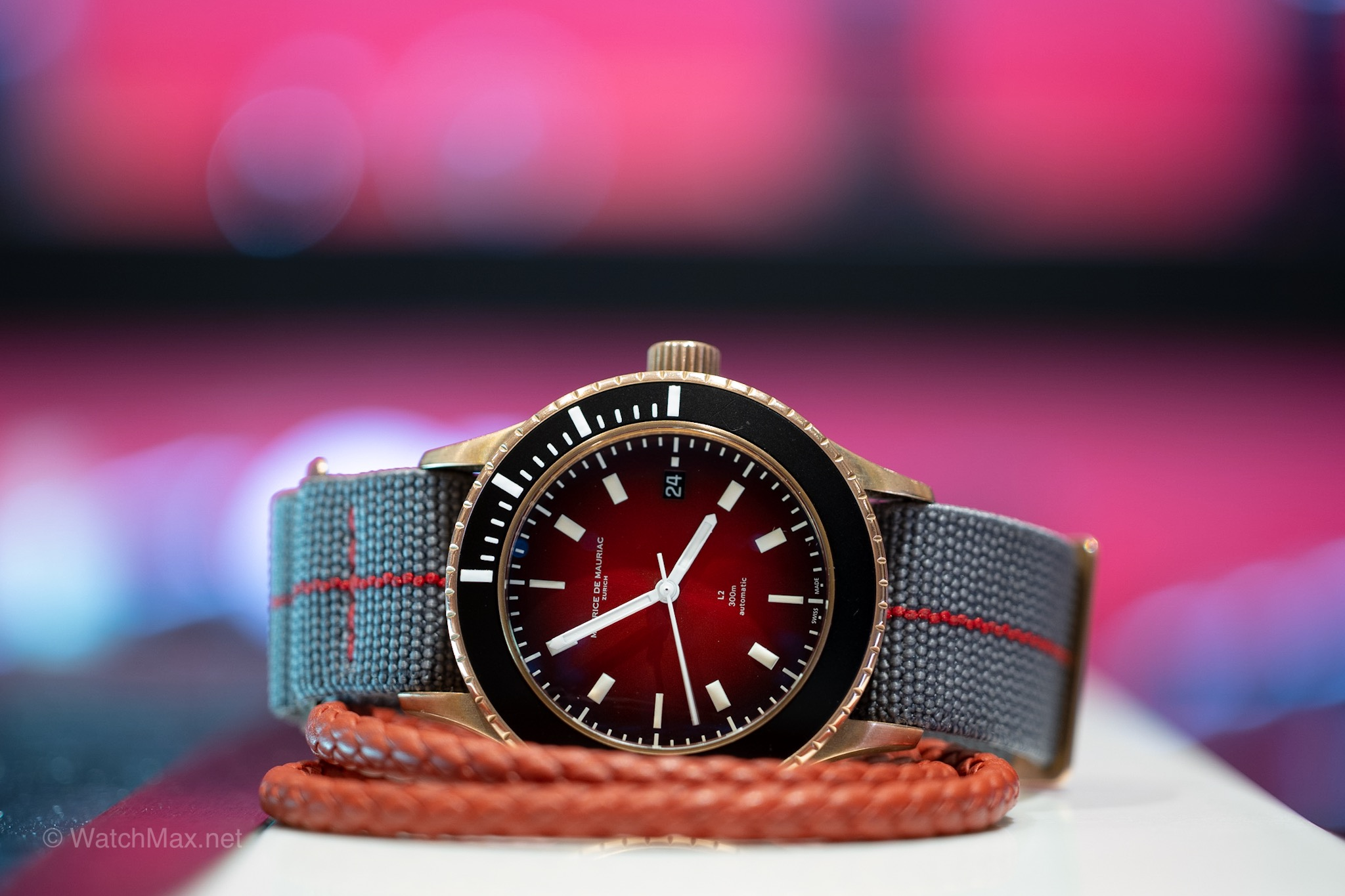 Review of the Maurice de Mauriac L2 Bronze Deep Red -