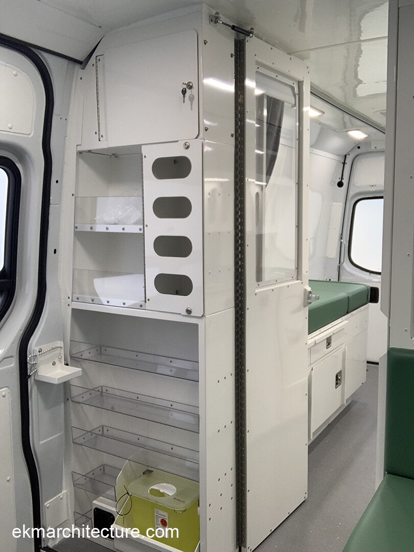 1825d OTTAWA mobile clinic - copyright ékm architecture 2.jpg