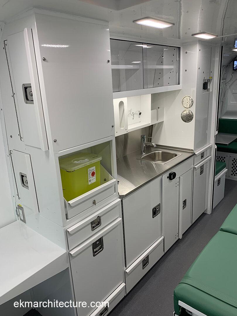 1825d OTTAWA mobile clinic - copyright ékm architecture 1.JPG