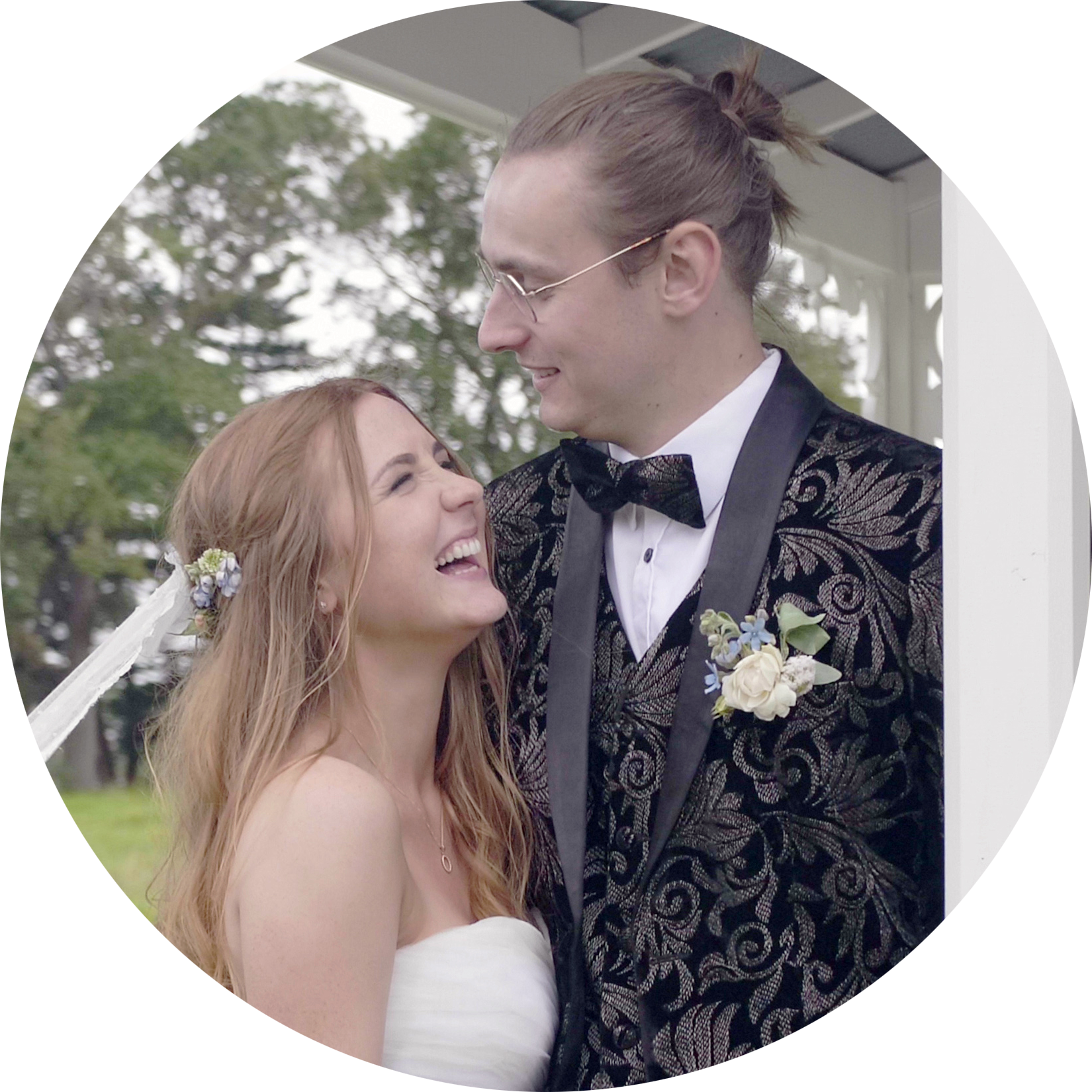 Isabella and Ben Ruffell got married at the Abbeville Estate in Auckland in December 2018