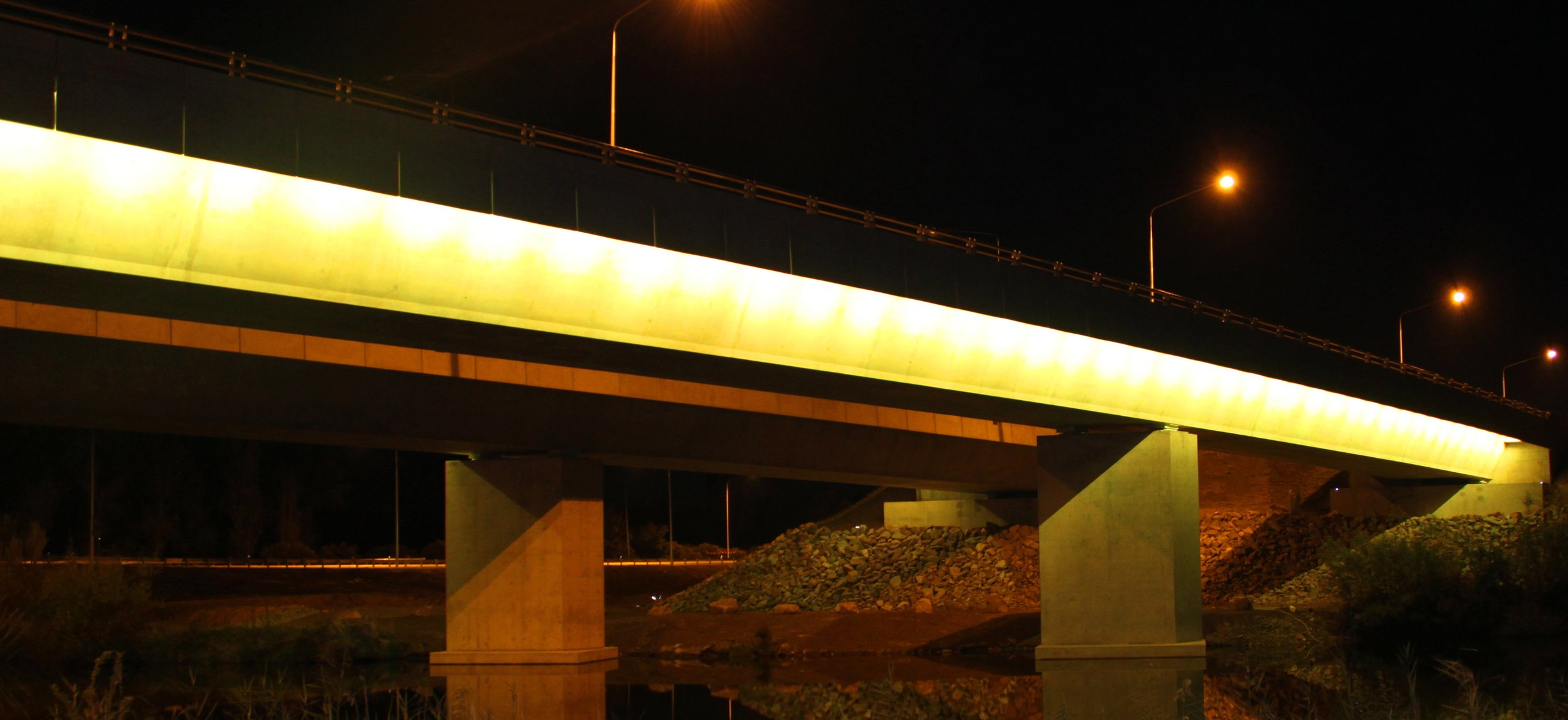 Malcolm Fraser Bridge.jpg