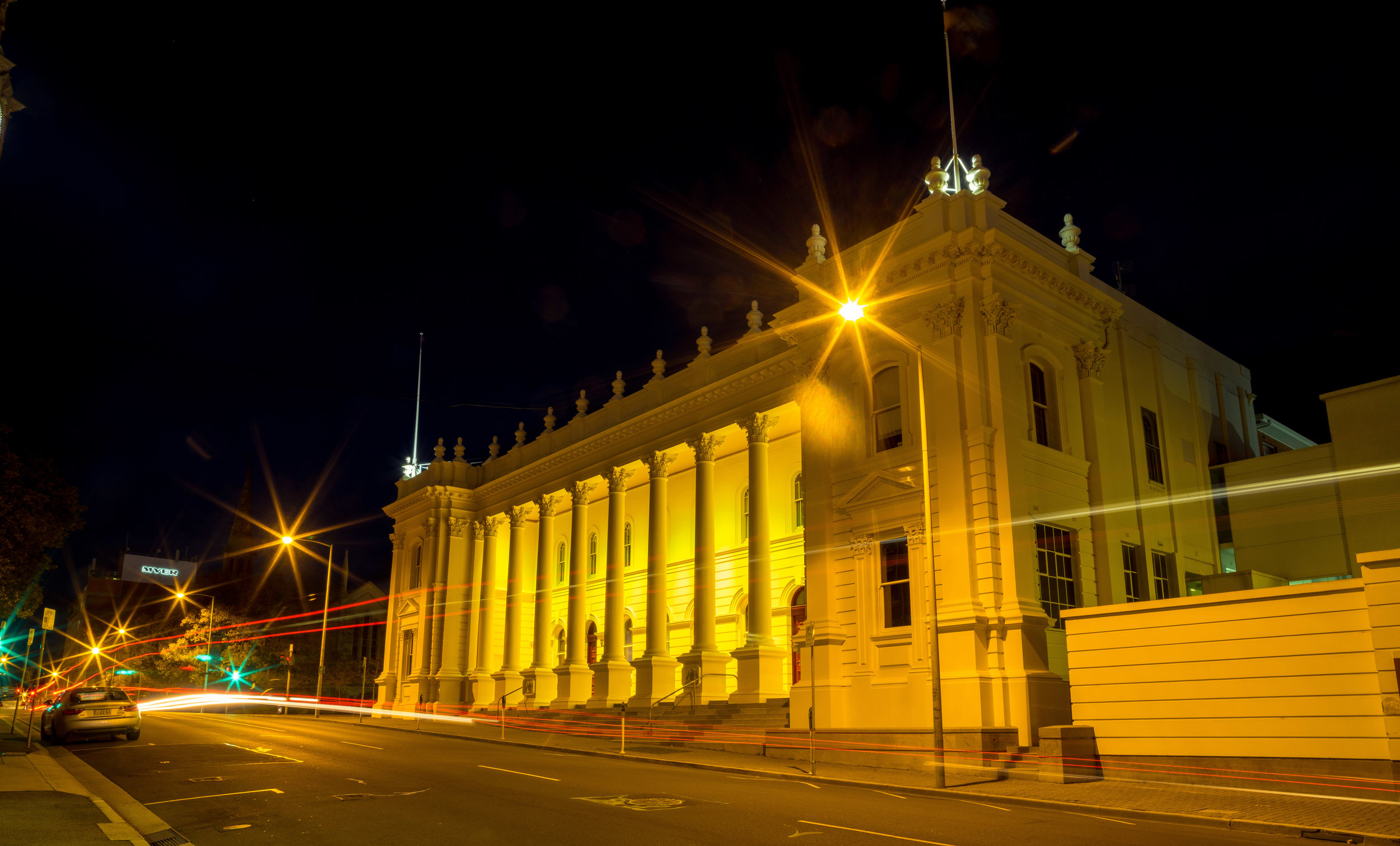 Tasmania -  Launceston Town Hall.JPG