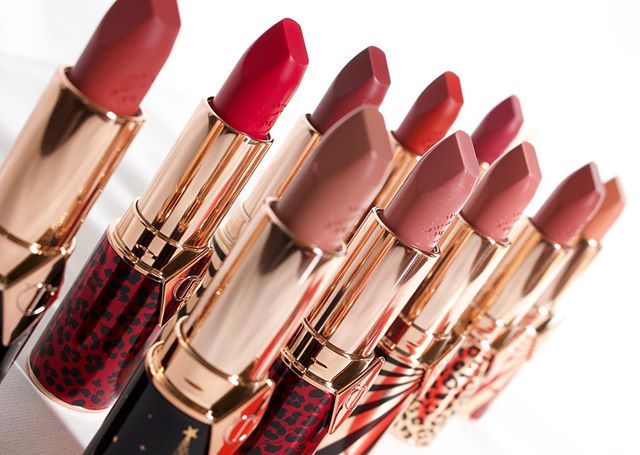 My blog turned 1 years old yesterday! In celebration, today's blog post is on the ICONIC @ctilburymakeup and her latest iteration of her Hot Lips Collection.  This refillable color wardrobe was created with the help of 11 inspiring individuals across beauty, fashion, and film. 10 lipstick shades and a single lip conditioner are found within the line's 2 innovative formulations, Matte Revolution and KISSING.  See swatches, comparisons, and closeups of the latest launch. Watch this space for more on my FAVORITE cosmetics brand, @ctilburymakeup  Head to the blog post via the link in my bio.  gifted through Charlotte's Instagram giveaway