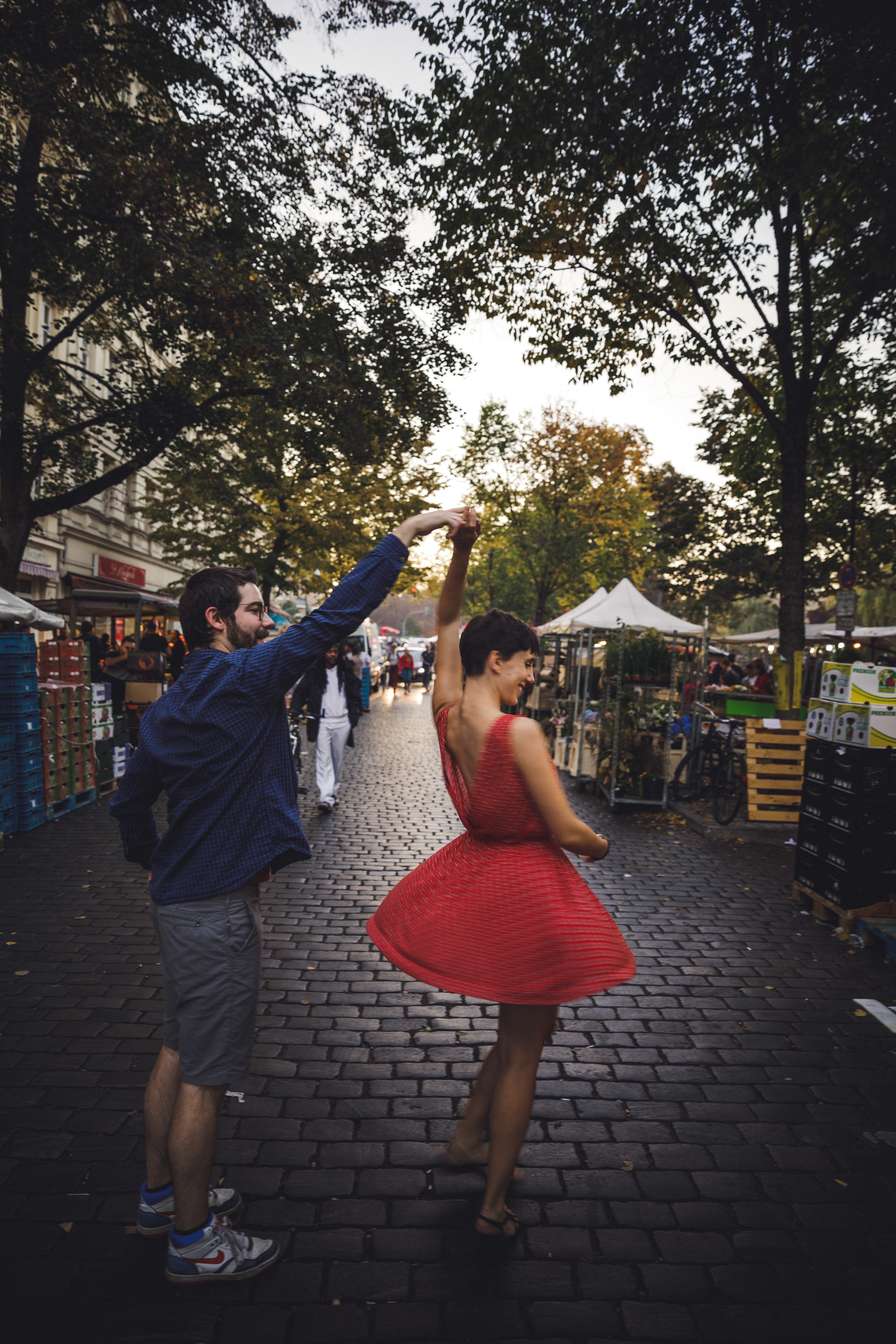turkish market berlin photography, couples session berlin, engagement session berlin,