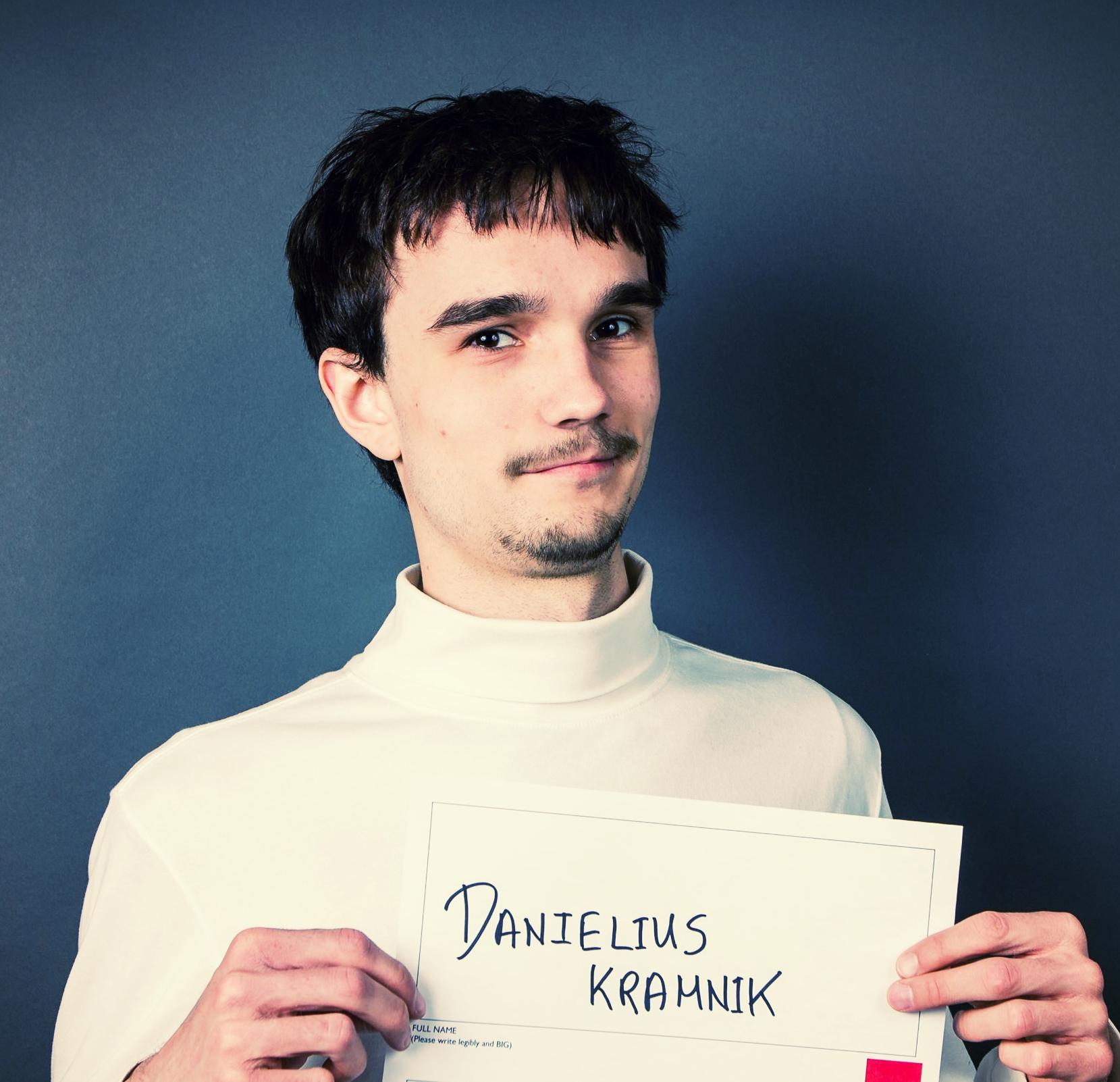 Kramnik_Headshot.jpg