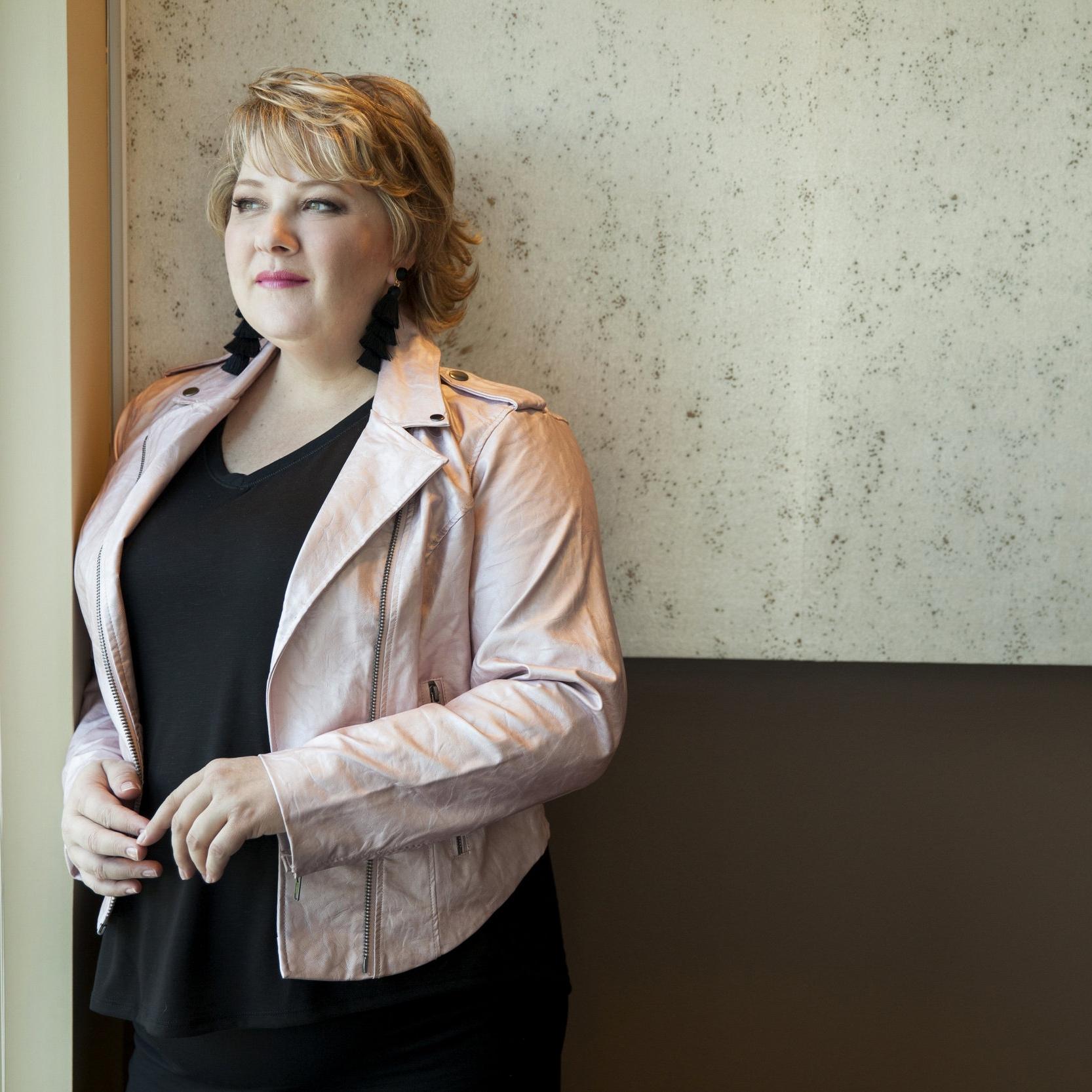 Author, Lisa Rehurek