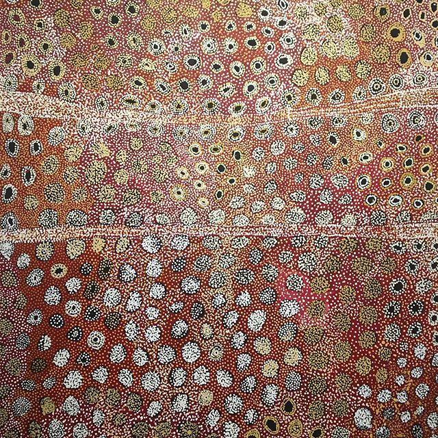 An advantage of working close to the ANU is that the Drill Hall Gallery is within walking distance during my lunch break. Some more brilliant pieces of indigenous art from the Hassell Collection. #visitcanberra #oneofakindapartments #barefootandbespoke #drillhallgallery