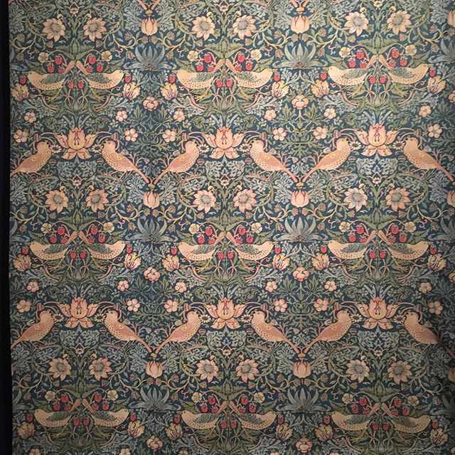 William Morris's stunning tapestries at the Love and Desire Exhibition NGA. Continuing to inspire artists and craftspeople. #barefootandbespoke  #oneofakindapartments #nga #visitcanberra
