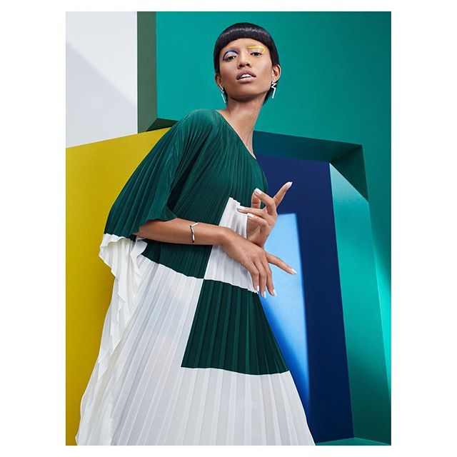 #tbt • The stunning @adesuwaaighewi strikes the pose for @akrisofficial ❌@voguemagazine | Love working every time with the incredible team below 😘 | 👘: @solangefranklin | 💇: @joeygeorge | 💄: @stojb | 💅: @nailglam | 🔨: @studio_hans_nyc | Retouching: @silhouettestudionyc | Special thanks @betcmullinix @streetersusa @mam_nyc @silentmodelsny @shaecoopersmith #akris #vogue #23stories #edsingleton #carmenherrera #abstractart