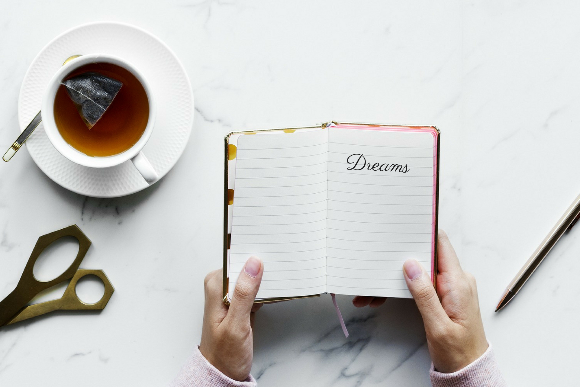 FREE guide to goal setting that works - The Dreamlist is a 5 day coaching program, via email, where you'll learn my technique to goal setting that works. It's free and you can sign up here.
