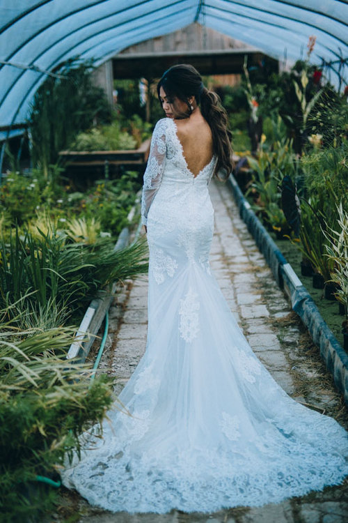 bridal portrait in greenhouse
