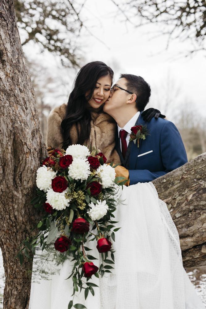 wedding photo poses.jpg