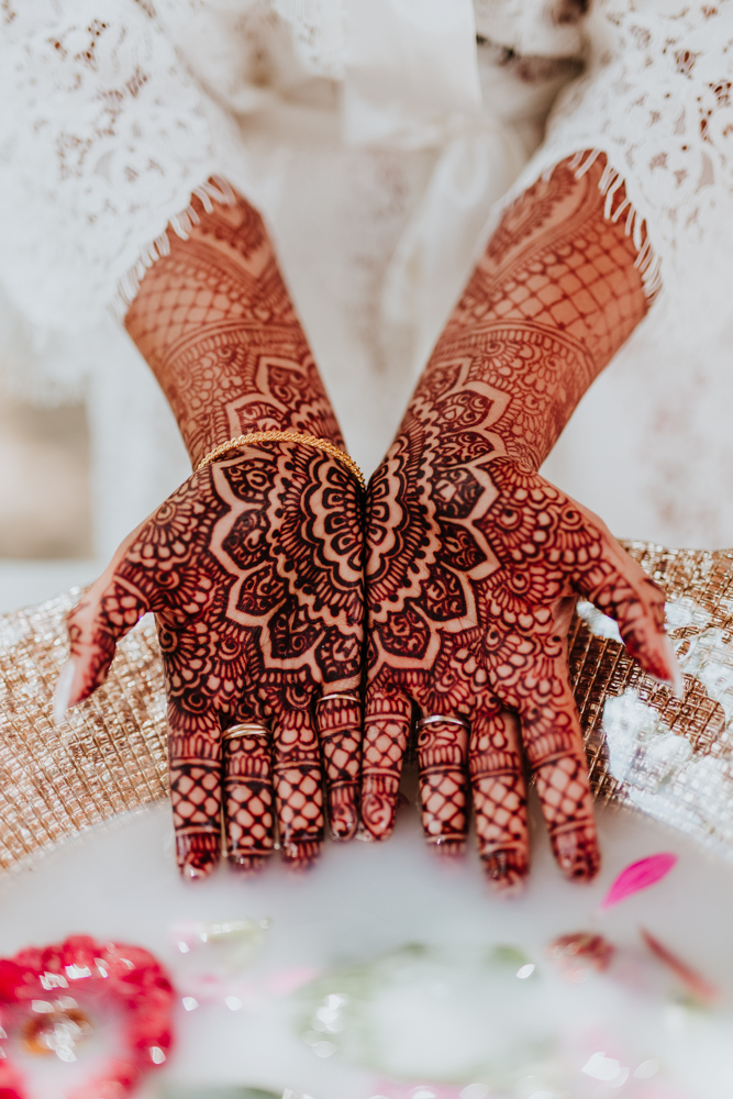 bride mehndi hands