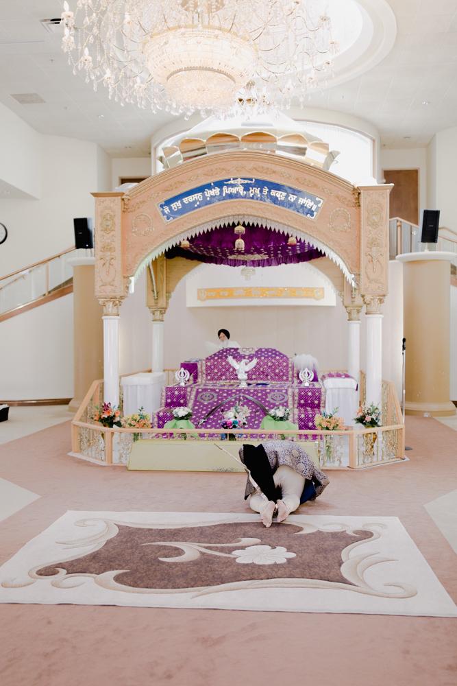 wedding photography indian temple.jpg