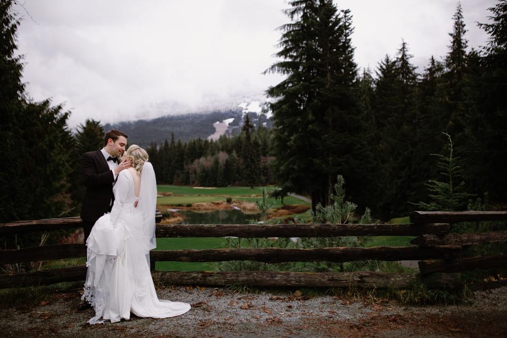 bride groom vancouver photographer.jpg