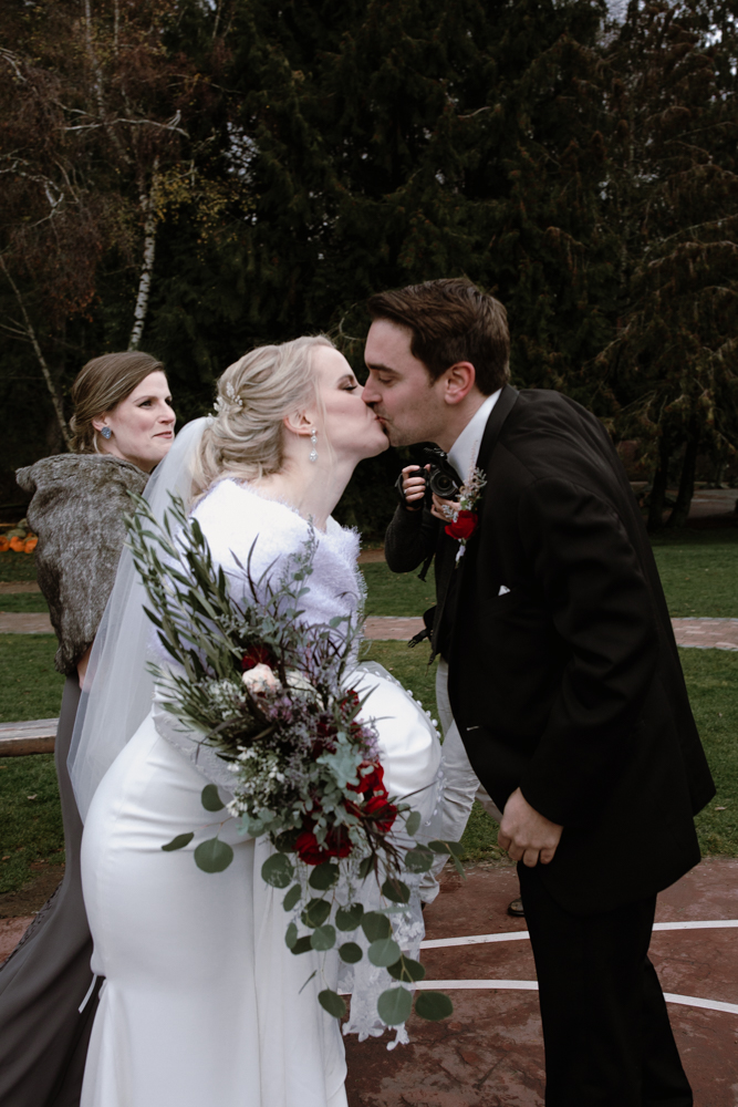 unique wedding photographer.jpg