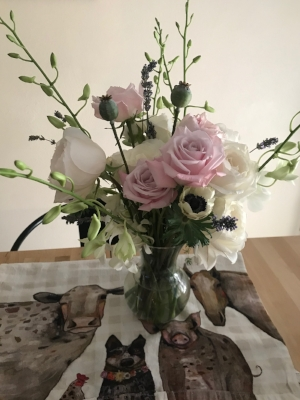 Bend Floral Artistry  -  Custom Floral Arrangements. Flower Deliveries in Bend, Oregon. Your Local Bend, Oregon Bespoke Florist.