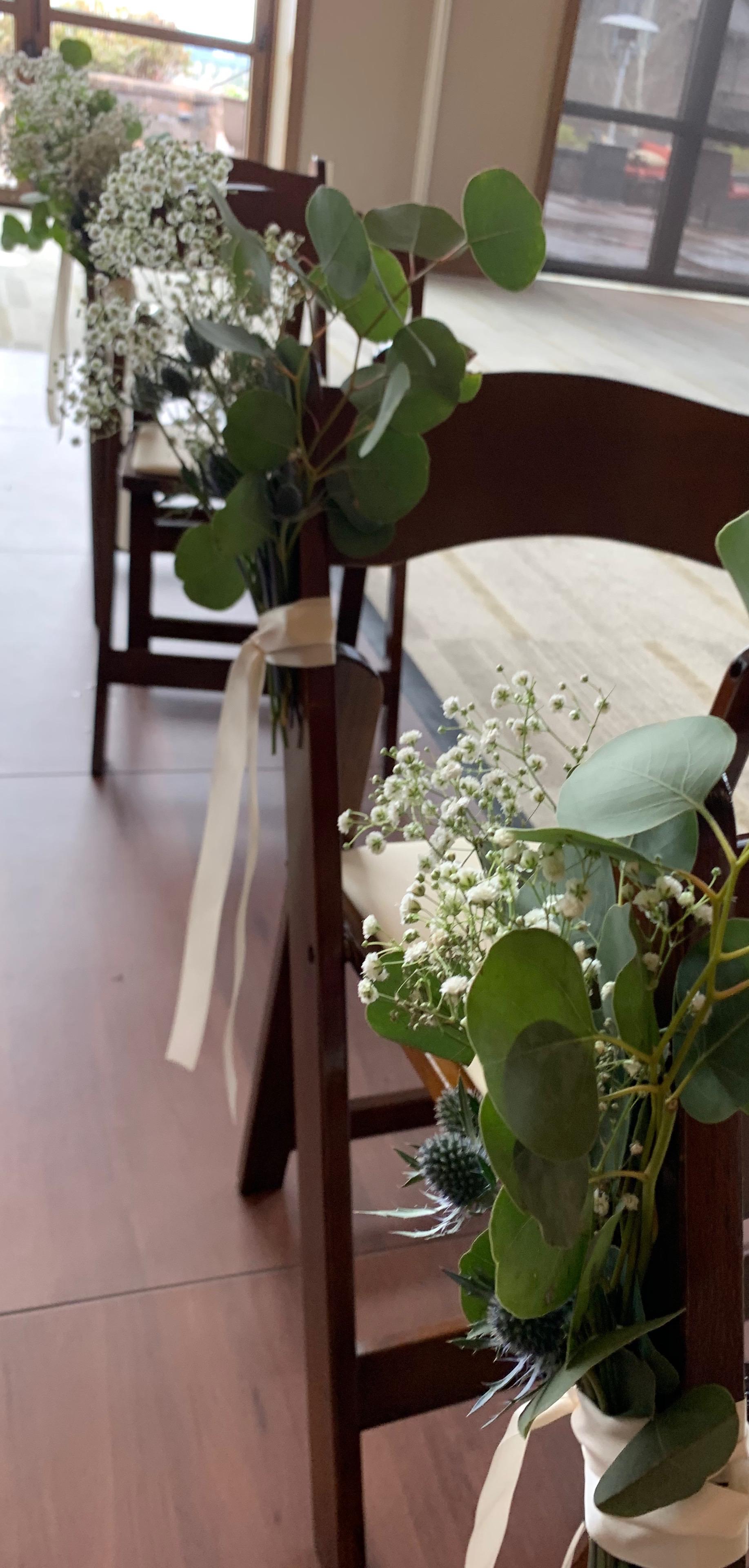 Custom Arrangements and Garlands by Bend Floral Artistry. Tetherow Resort - Bend, Oregon.   Your Local Bend, Oregon Bespoke Florist.
